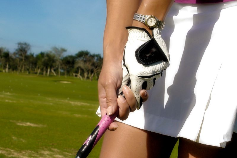 Tips on Women's Golf Grips and Gloves